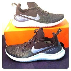 Nike Free TR MTLC